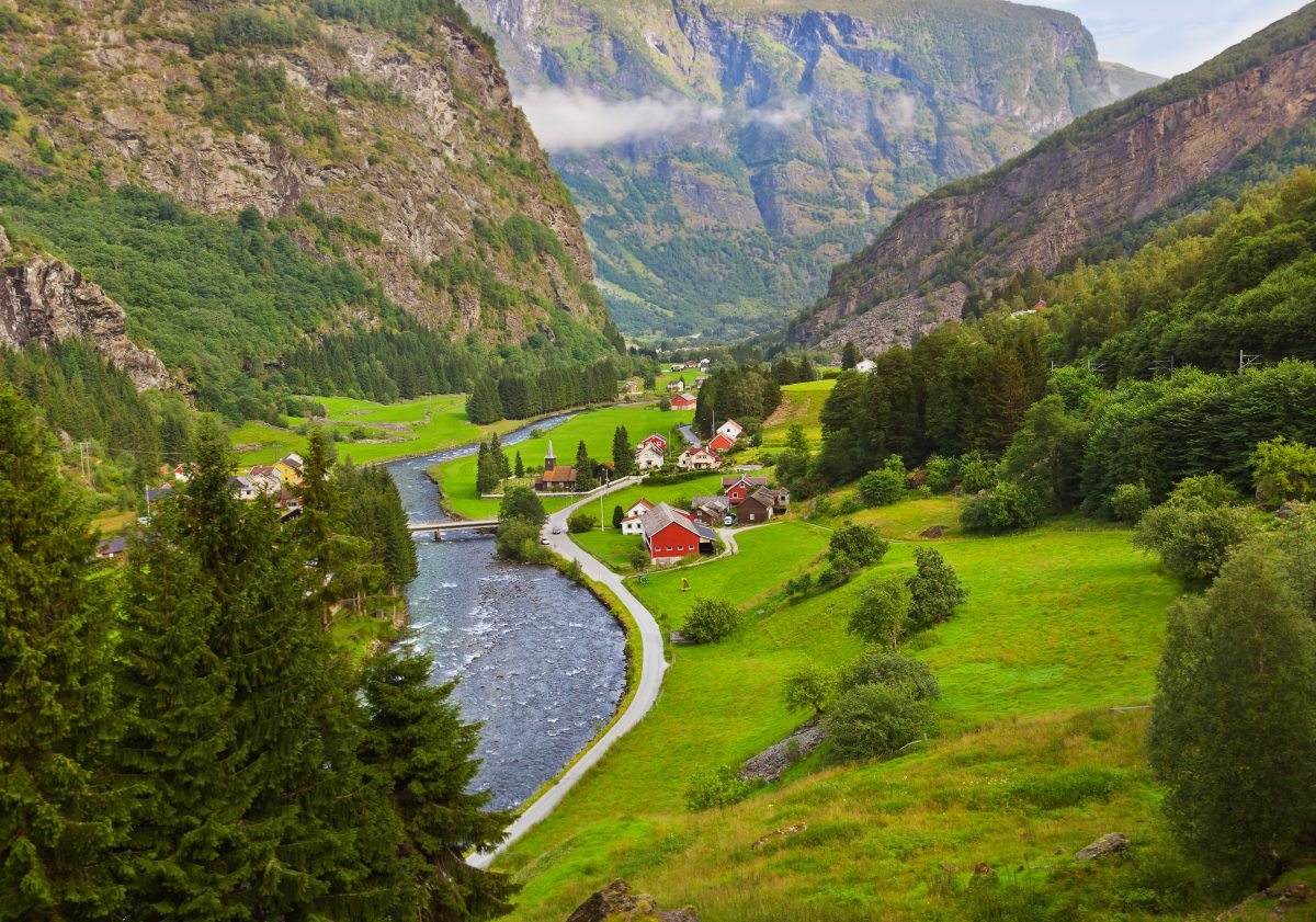 NORWEGIAN FJORDS & THE MIDNIGHT SUN ON HOLLAND AMERICA: Current Dental Issues & Scandinavian Healthcare